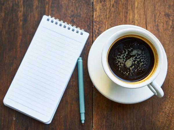 Kaffeetasse, Untertasse und Kaffeelöffel*